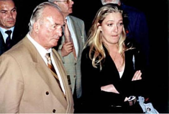 Marine Le Pen prochain président de la France ? - Page 5 2--marine-le-pen-...ant-ce-q-56962ce